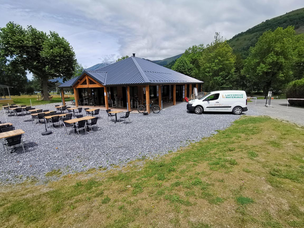 Lafforgue-Menuiseries-Loudenvielle-Camping-La-pene-blanche